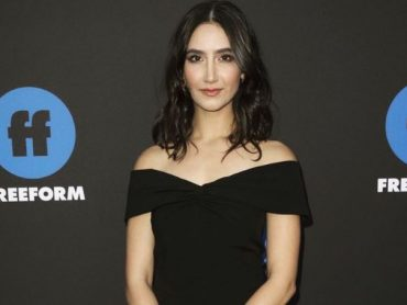 Nikohl Boosheri's character on living life after a breakup!